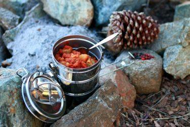 キャンプのお鍋とフライパン。後悔しないクッカーセットの選び方。ユニフレームとスノーピーク編